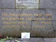 marx gravestone